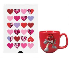 HEARTS GIFT BOX 400 G + RED MUG